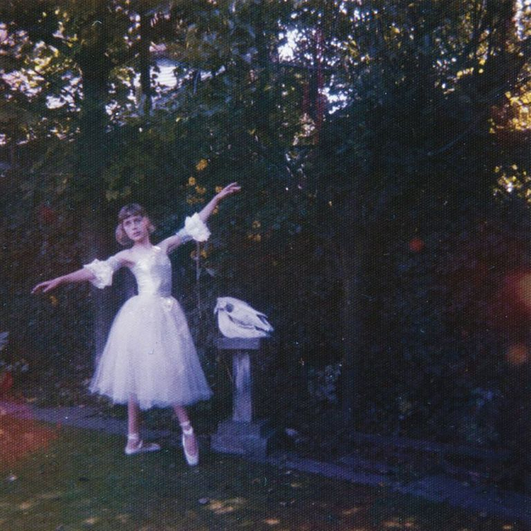 Album artwork of 'Visions of a Life' by Wolf Alice