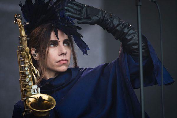 PJ Harvey holding a saxophone